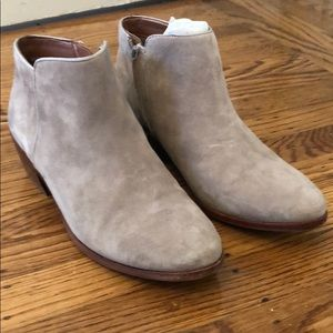 Sam Edelman Shoes - Lightly worn Sam Edelman 'petty' Chelsea boot